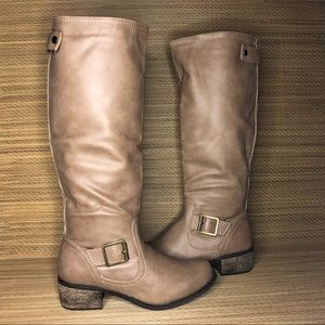 Rampage Sylvestra boots Size 6